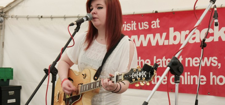 Abi Powell on stage at Bracknell Ale & Wine Festival 2015.